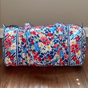 Vera Bradley Summer Cottage medium duffle